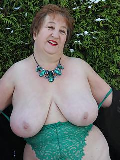 Granny Moms Pics