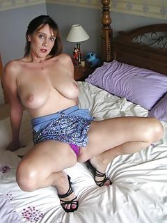 English Moms Pics